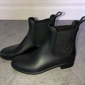 women's black slip on boots